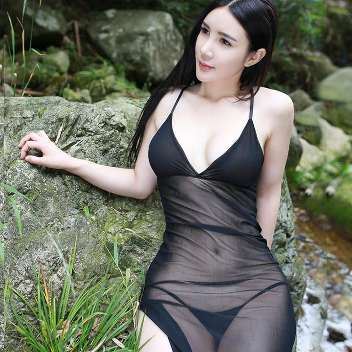 Đầm ngủ xuyên thấu xẻ tà