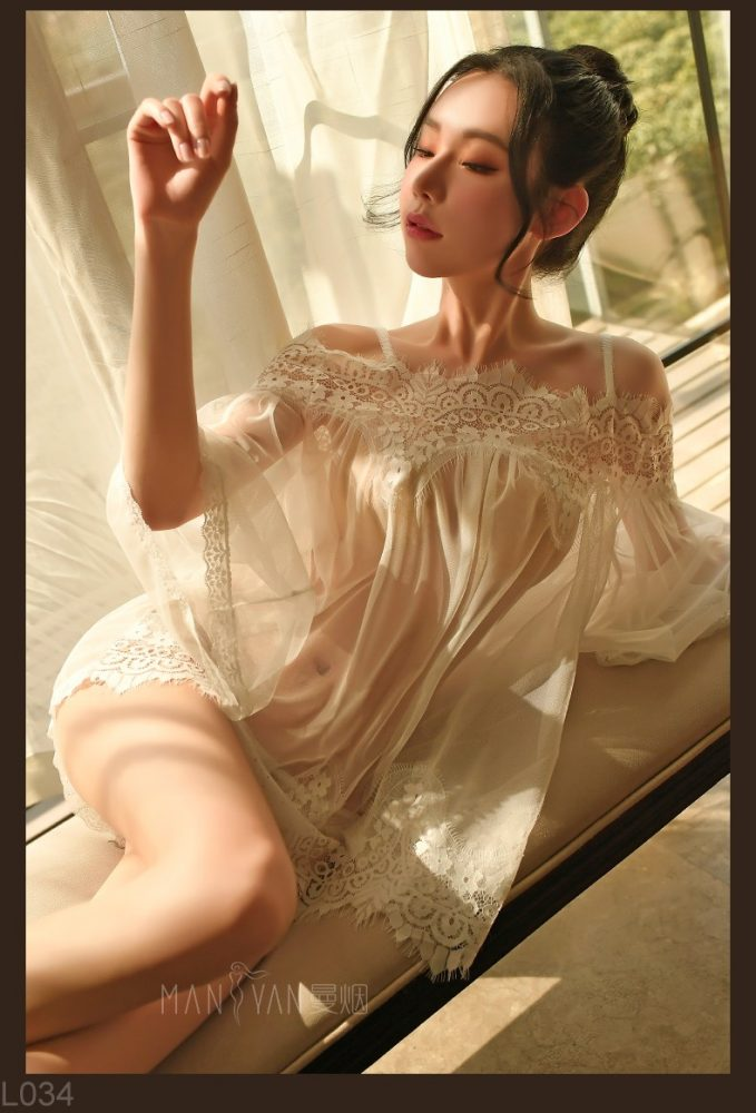 Đầm ngủ ren trễ vai xuyên thấu