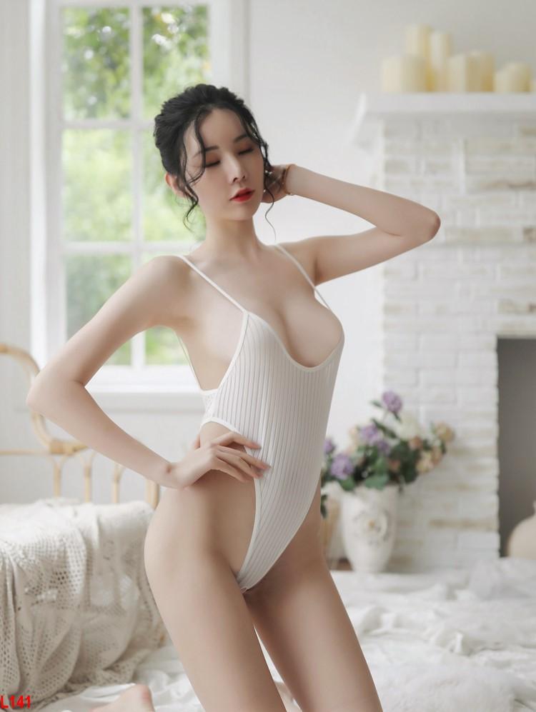 Đồ Bodysuit khoét đáy sexy