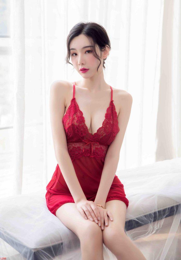 Đầm ngủ ren xuyên thấu